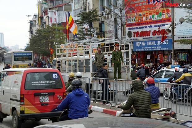 Đại lễ cầu an năm nay, hàng trăm cảnh sát được huy động để đảm bảo an ninh trật tự.