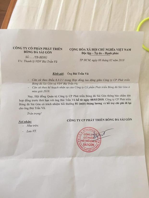 Giấy thanh lý hợp đồng của Bùi Trần Vũ ghi rất rõ là ngày 8/2.