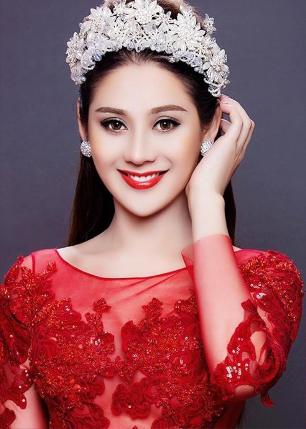 Người đẹp - ca sĩ chuyển giới Lâm Khánh Chi.