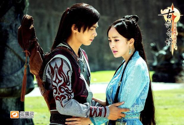 """Trong """"Cổ Kiếm Kì Đàm"""", Lý Dịch Phong và Dương Mịch ngược nhau mãi không dứt."""