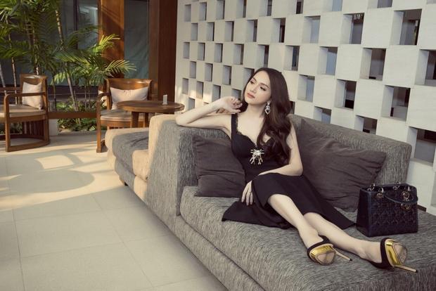 Hương Giang Idol xuất hiện nổi bật trên báo Thái Lan