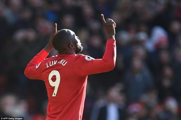 Nhưng các fan Man United không thể không gọi tên anh với 1 bàn thắng và 1 kiến tạo trong hiệp 2.