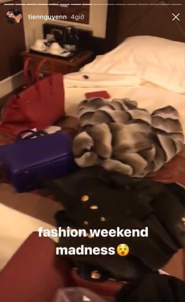 Các phụ kiện tùi xách, giày cao gót là những items không thể thiếu của cô nàng khi đến Ý.