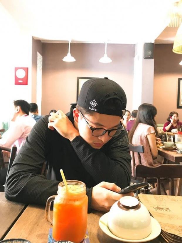 Trở lại Việt Nam sau 2 năm điều trị ở Đài Loan, Harry Lu vẫn điển trai và sở hữu góc nghiêng thần thánh như ngày nào
