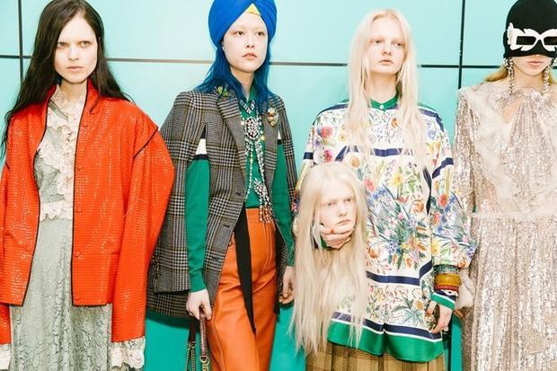 Những gương mặt được trang điểm nhợt nhạt cũng là cách Gucci gây ấn tượng cho BST của mình.