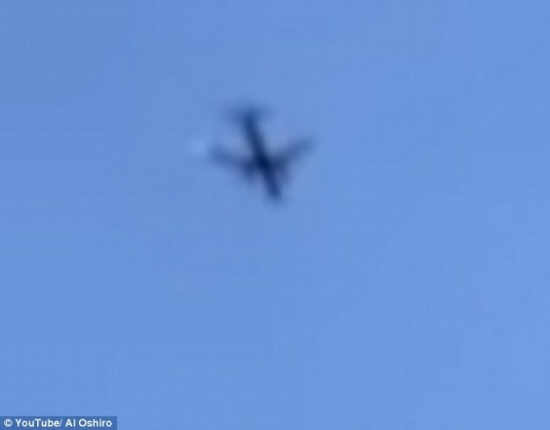Hình ảnh chiếc máy bay gặp trục trặc được cắt ra từ clip tại hiện trường
