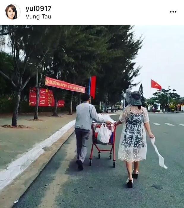 """Gia đình cùng nhau """"du hí"""" tại Việt Nam."""