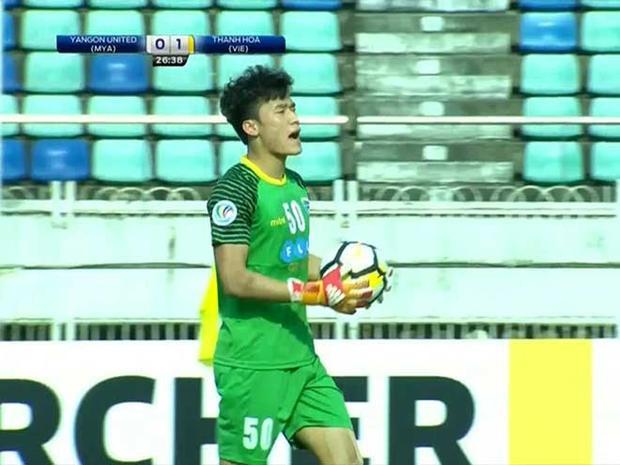 Sau trận thua Yangon, Tiến Dũng bất ngờ xin lỗi người hâm mộ.