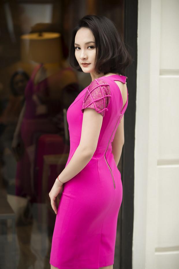 Ngoài đời, nàng dâu Minh Vân trong phim sở hữu thân hình vô cùng sexy, gợi cảm.