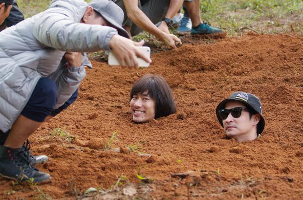 Kiều Minh Tuấn và Huy Khánh đánh cược với tử thần khi để Lý Hải chôn sống