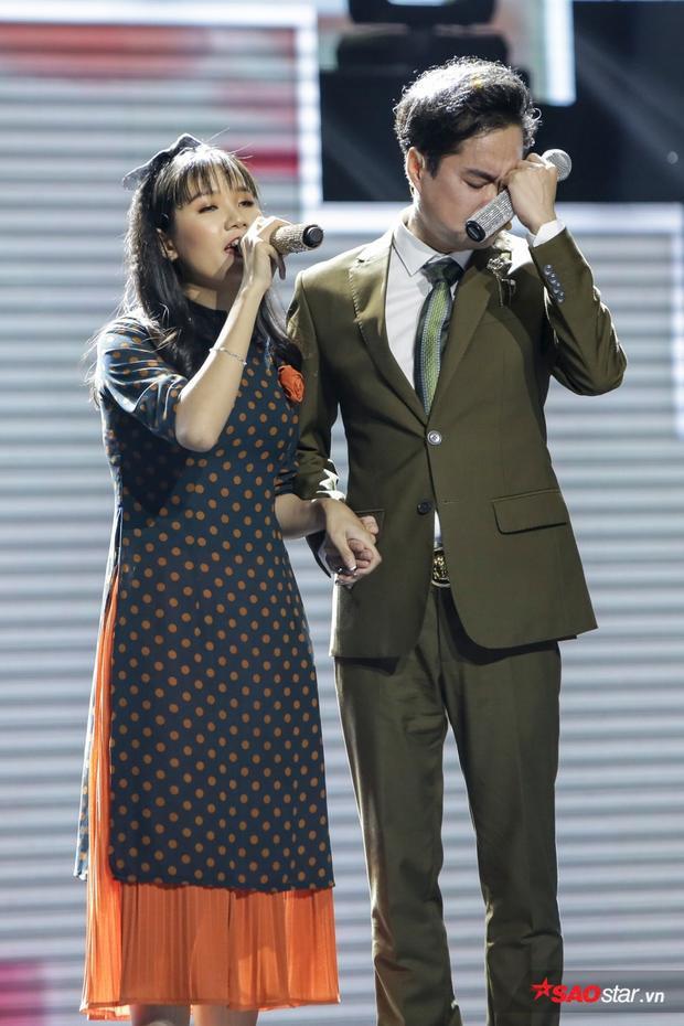 Khoảnh khắc HLV Ngọc Sơn bật khóc vì Quỳnh Trâm trên sân khấu khiến cô không thể nào quên.
