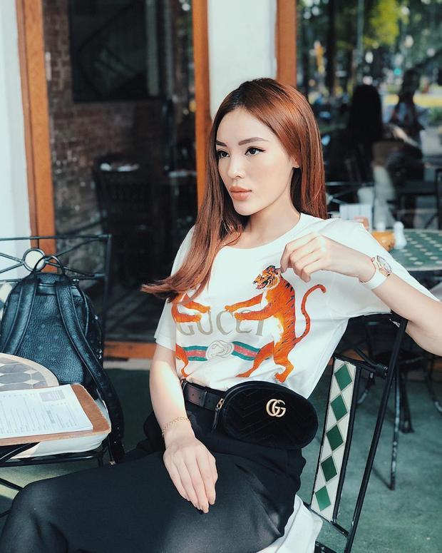 """Kỳ Duyên đúng là """"Gucci Gang"""" đích thực. Từ áo thun đến belt bag, người đẹp luôn yêu thích và tin dùng thương hiệu đến từ Italia này."""