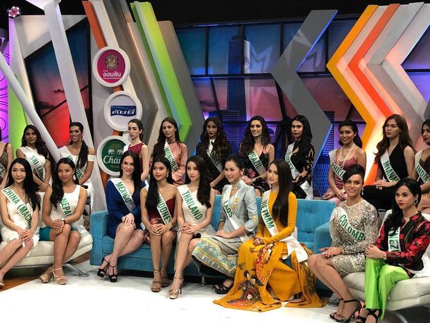 Sáng 3/3, 28 thí sinh có buổi phỏng vấn cho một trong những kênh truyền hình nổi tiếng nhất Thái Lan - GMM.
