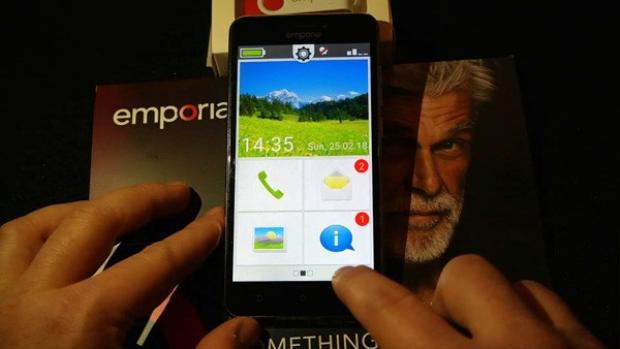7 chiếc điện thoại kì quặc vừa ra mắt, chiếc thú vị nhất thì có thể bạn chẳng bao giờ mua được