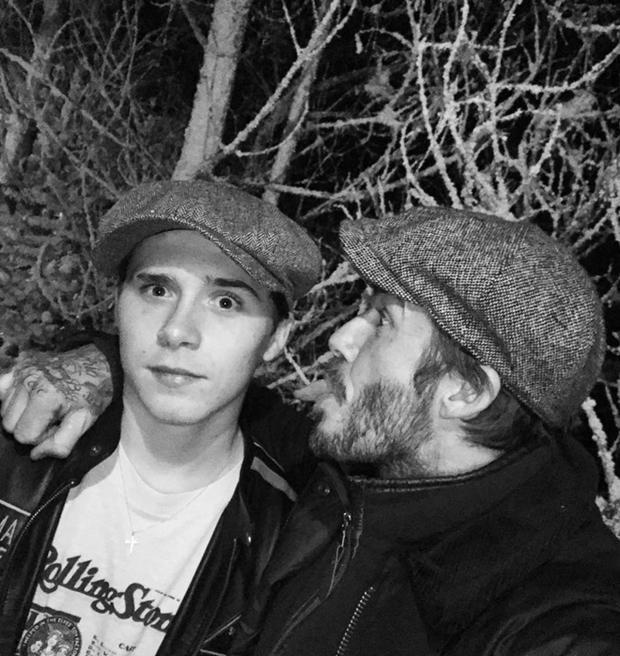 Ông bố nổi tiếng mở màn với bức ảnh nhắng nhít của hai bố con. Beckham bày tỏ mình rất tự hào về Brooklyn cũng như mong con trai luôn là chính mình: một người nhiệt thành, tự trọng và khiêm tốn. Cuối cùng không quên nhắn nhủ yêu cậu rất nhiều.