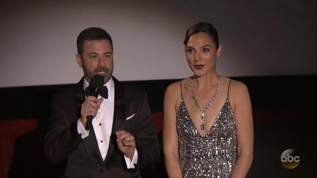 Dù không được đề cử nhưng Gal Gadot vẫn tỏa sáng tại Oscar 2018.