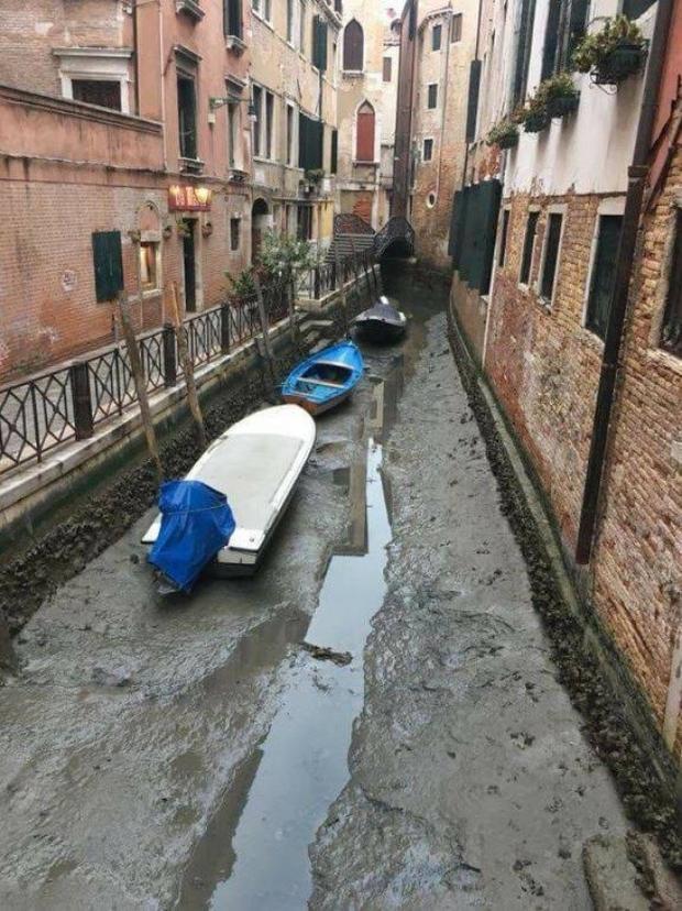Giờ đây còn ai nhận ra đây là kênh đào nổi tiếng