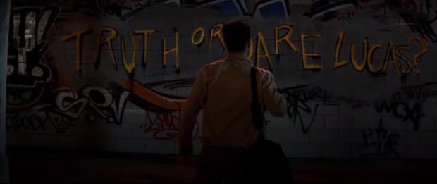 Rợn người trước nụ cười ám ảnh trong trailer phim kinh dị Truth or Dare  Chơi hay chết?
