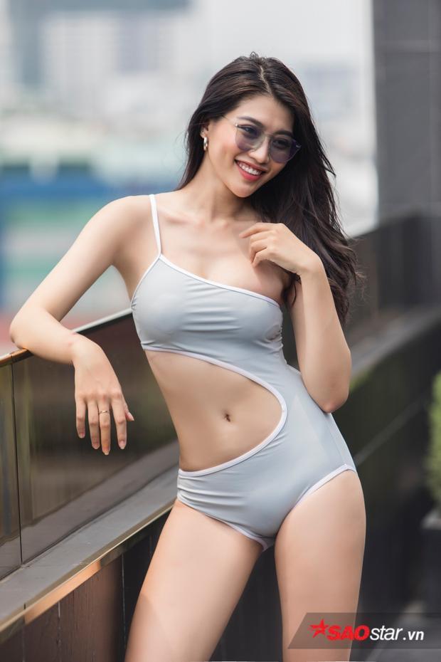 Quỳnh Châu (Quin C) được xem là đại diện cho thế hệ người mẫu mới vừa xinh đẹp vừa đa tài. Cô nàng có khả năng làm MC, hát hay, nhảy đẹp…