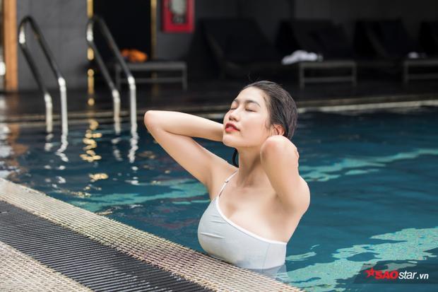 Quỳnh Châu biết bơi từ khi còn rất nhỏ và duy trì tập luyện đến bây giờ. Thậm chí có lúc một tuần cô đi bơi đủ cả 7 ngày.