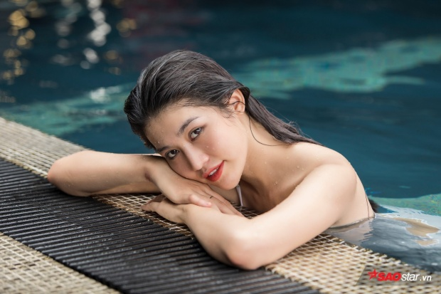 Cô gái quê Đà Lạt cho biết mình rất vui khi lần đầu tiên được chia sẻ về sở thích bơi lội với độc giả của Saostar.