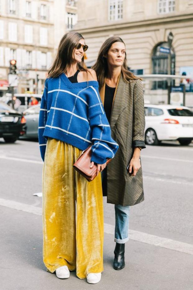 Các fashionista khuyến khích bạn sử dụng các màu sắc đối lập khi diện quần nhung.