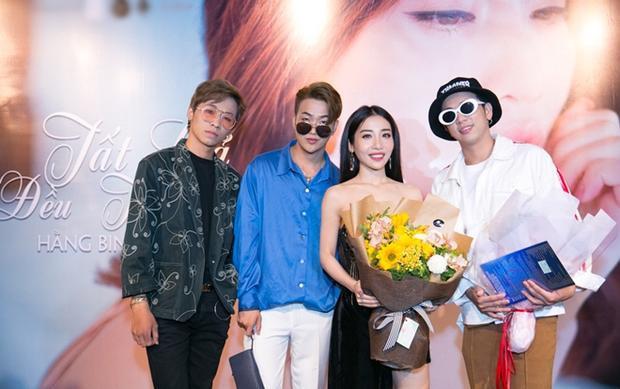 Ca khúc được sáng tác riêng cho Hằng BingBoong bởi Lý Tuấn Kiệt - thành viên nhóm nhạc HKT.