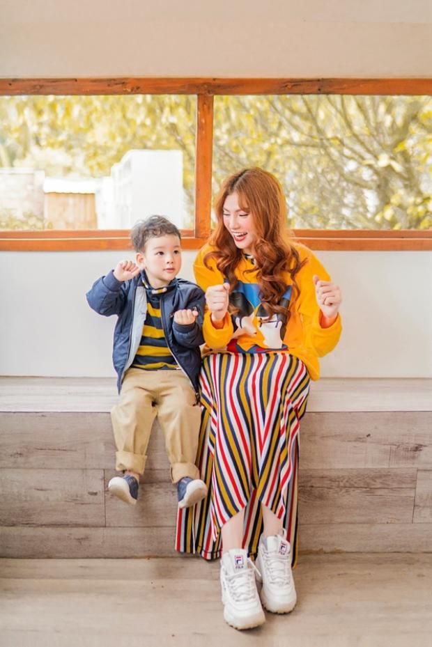 Thu Thủy tiết lộ mình đang trong quá trình thực hiện ca khúc mới dành tặng cho con trai và sẽ ra mắt vào đúng dịp bé tròn 3 tuổi.