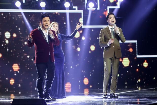 Ngoài việc so kè giọng hát, phần nhận xét tranh cãi giữa bộ đôi HLV Ngọc Sơn - Quang Lê sẽ khiến khán giả thích thú.