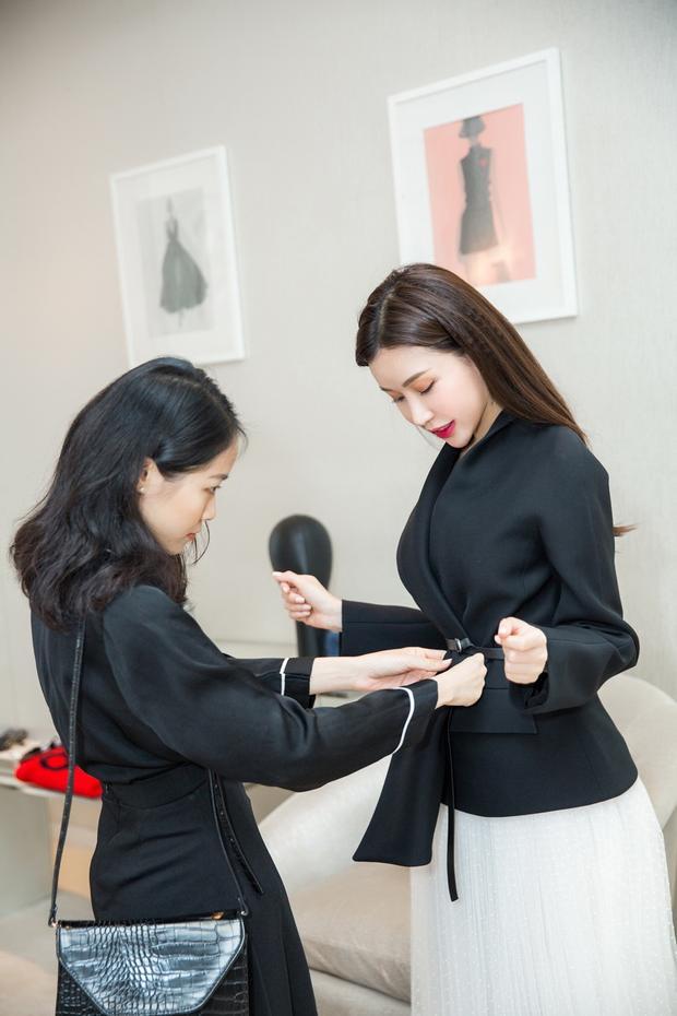 Hoa hậu Lam Cúc ngày càng sáng tạotrong việc định hướng phong cách thời trang.