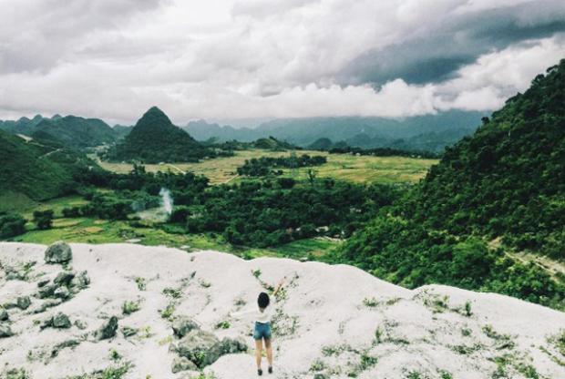 """Nơi được mệnh danh là """"ngọn đồi tuyết phủ"""", """"ngọn đồi Bắc Âu"""" này là điểm du lịch phù hợp trong tháng 3 này. Sở dĩ, điểm đến này được yêu thích như vậy bởi những đồi đá trắng tuyệt đẹp như trời Tây. Ảnh: Ảnh: christinafawn"""