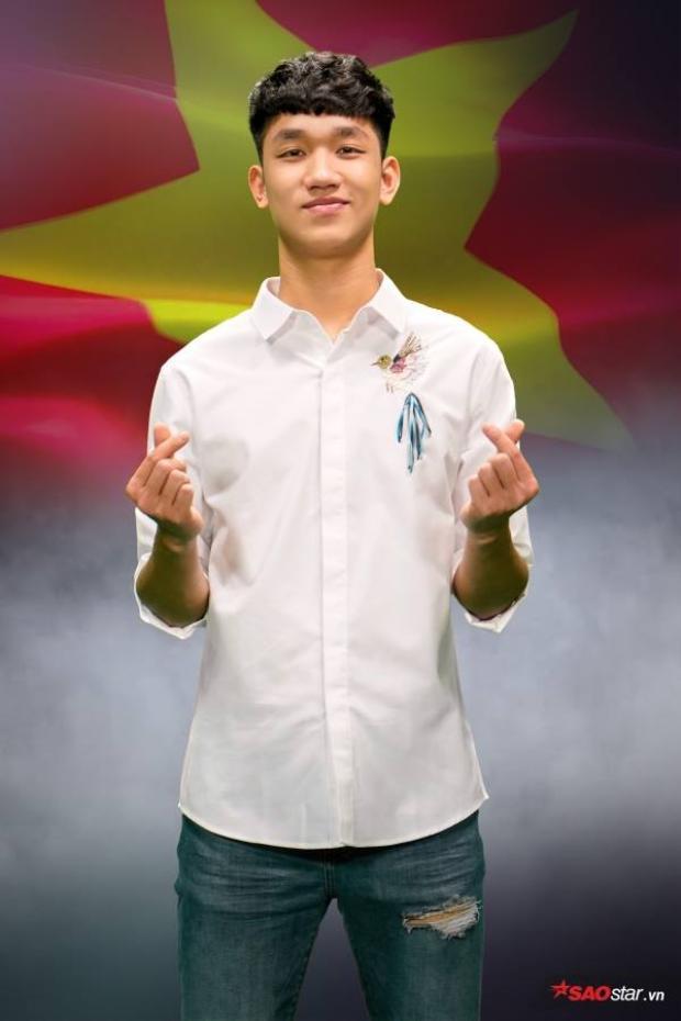 Tiền vệ điển trai Nguyễn Trọng Đại từ chối lời tỏ tình của Hương Giang Idol vì đã có người yêu.