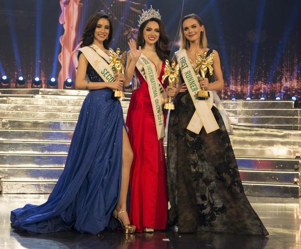 Hương Giang Idol xuất sắc đăng quang Hoa hậu Chuyển giới Quốc tế 2018.
