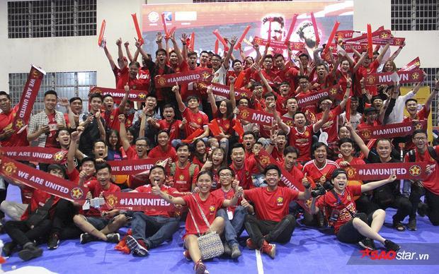 Một buổi big off với niềm vui tron vẹn cho các fan MU tại Việt Nam.