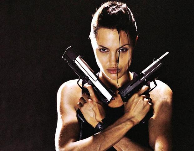"""""""Lara Croft: Tomb Raider"""" phiên bản cũđã tìm ra một đả nữsexy thật sựcủa dòng phim hành động: Angelina Jolie"""