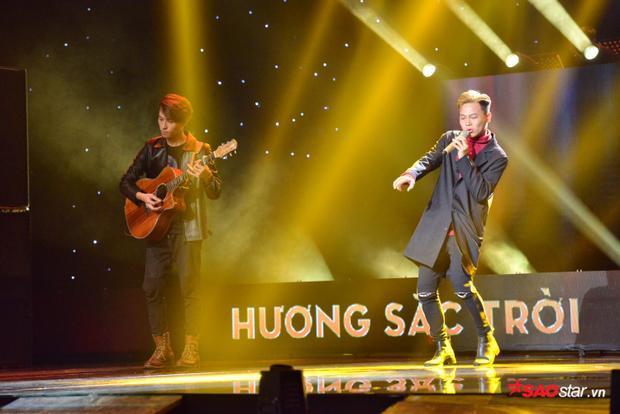 Lê Minh Phương được cho là có phong cách giống Sơn Tùng M-TP cả về phong cách biểu diễn lẫn âm nhạc.
