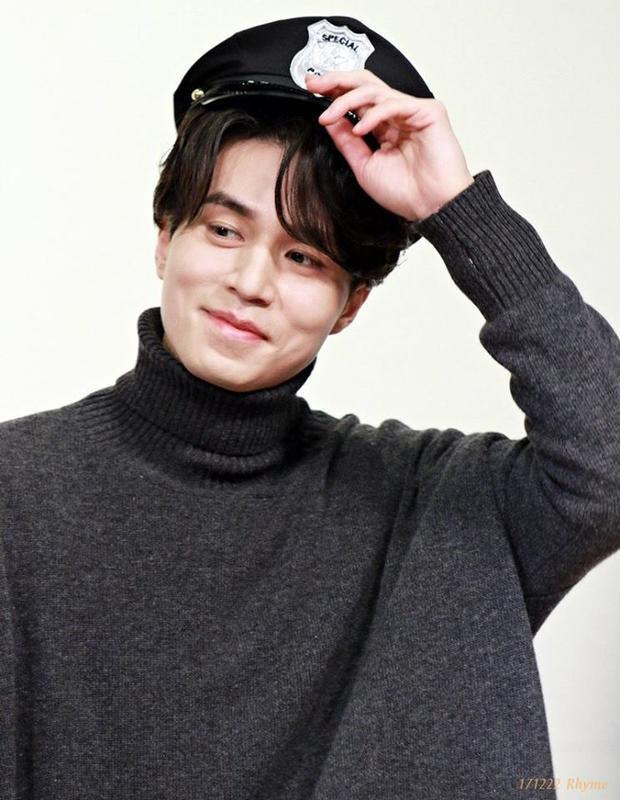 Đẹp trai, tài giỏi, lịch lãm thường xuyên và đáng yêu khi cần, Lee Dong Wook đốn gục tim của hàng loạt cô gái.
