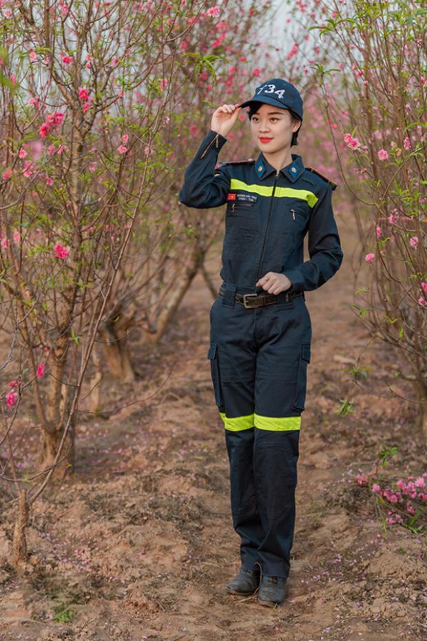 Hay những lần mặc đồng phục của lính cứu hỏa vẫn đẹp đến xốn xang.