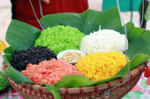 Xôi ngũ sắc là biểu tượng văn hóa truyền thống của các dân tộc phía Bắc.