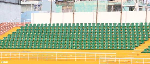 CLB TP.HCM cho lắp ghế ở các khán đài B, C, D sân Thống Nhất.