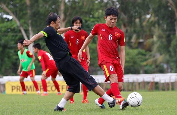 HLV Dương Minh Ninh và Xuân Trường.
