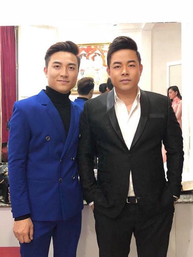 Điển trai từ sân khấu ra ngoài đời, Bá Huy là nhân tố khiến HLV Quang Lê phải đắn đo khá nhiều đây.