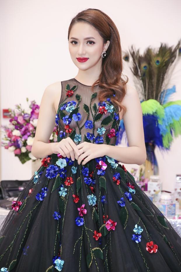 Gia đình Hoa hậu Hương Giang: Bài học về tình yêu thương truyền cảm hứng cho cộng đồng LGBT