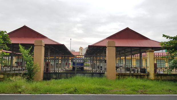 Đến tháng 4/2017,TP Nam Định quyết định giao chợ cho phường Thống Nhất quản lí dochợ nằm toàn bộ trên địa giới hành chính phường này.