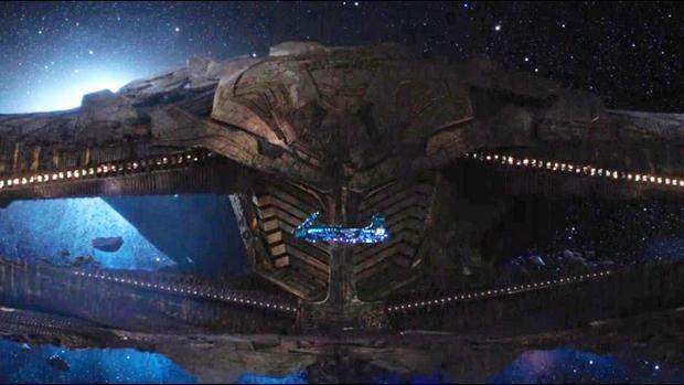 Phi thuyền Thanos phục kích tàu của Thor