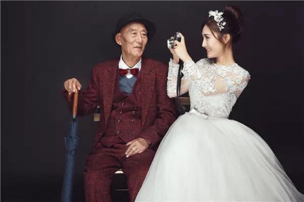 Bộ ảnh cưới đặc biệt của người cháu gái dành cho ông nội.