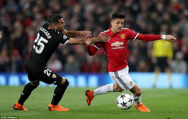 Hòa 0-0 ở trận lượt đi, đoàn quân của HLV Mourinho trở về sân nhà Old Trafford với mục tiêu giành chiến thắng trước Sevilla để tiến sâu tại Champions League. Man United đang có phong độ rất cao với những chiến thắng trước Chelsea, Liverpool ở đấu trường quốc nội.