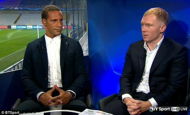 Rio Ferdinand và Paul Scholes bày tỏ sự thất vọng khi M.U sớm bị loại khỏi Champions League.