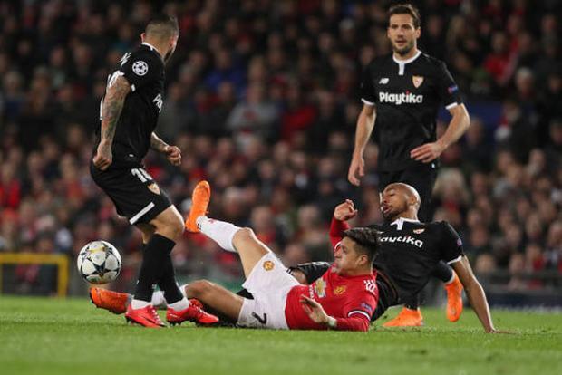 Man United gây thất vọng lớn khi để thua Sevilla.
