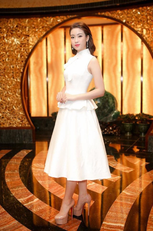 Không phải Đặng Thu Thảo, Đỗ Mỹ Linh mới chính là nàng hậu mê mệt đầm của Lê Thanh Hòa